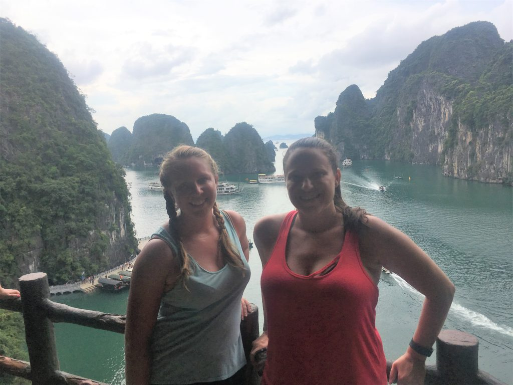 halong bay cruise, ha long bay, vietnam, cave, hang sung sot cave