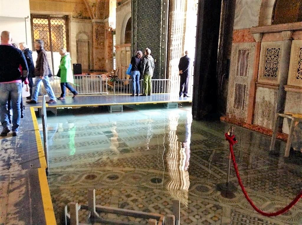 acqua alta, venice, italy, saint marks basilica, basilica san marco