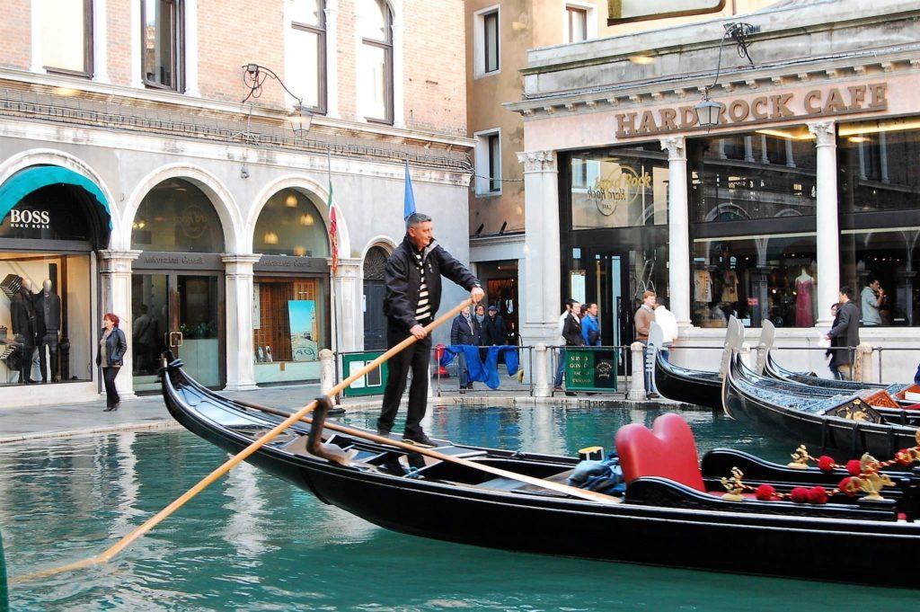 gondola, venice, italy, acqua alta