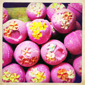 bath bomb; lush; travel guide; luxury travel
